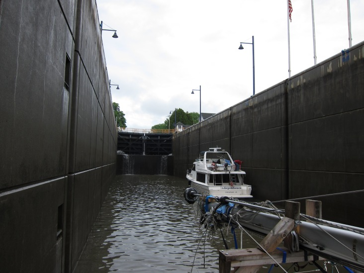 Lock E2; Lots of room (thanks goodness)